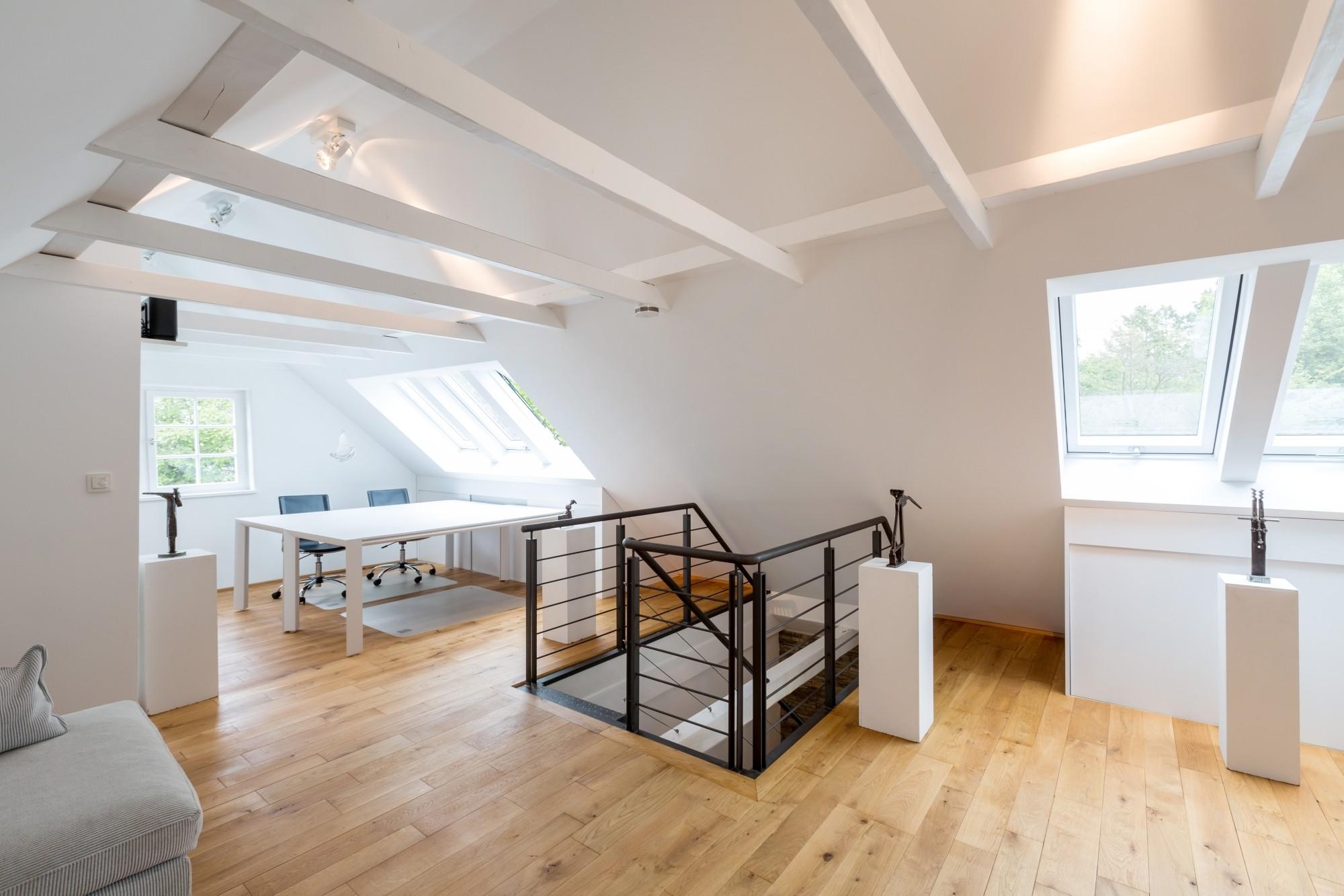 Raum des bauoffice im Dachgeschoss