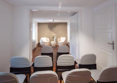 Der Kleine Salon in der Buchmühle hergerichtet für eine freie Trauung.
